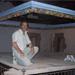 Imatge de la restauració de la motllura del sostre ja gairebé acabada.